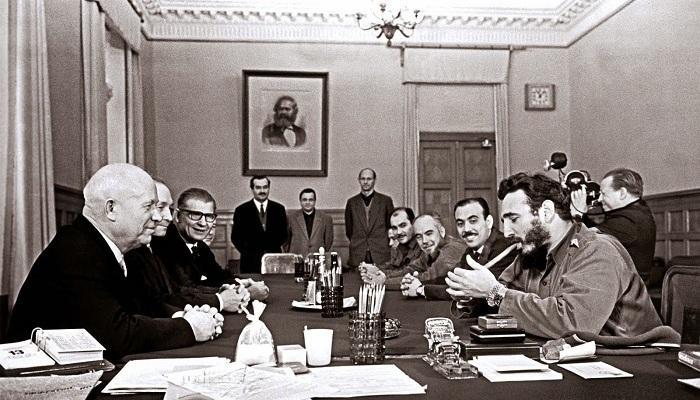 1962年古巴导弹危机是怎么爆发的?有何影响