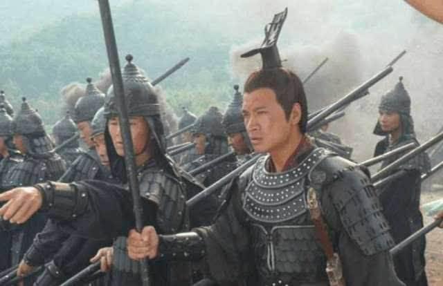 削平吴楚大功成,一旦生疑触怒霆,西汉名将周亚夫